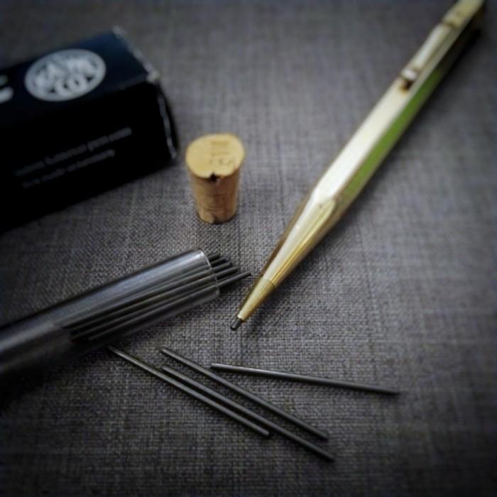 我終於搵到香港有售1.18 mm嘅鉛筆芯了
